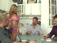 Порно видео муж вылизывает жене