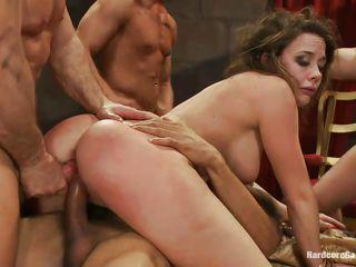 Семейное домашнее групповое порно